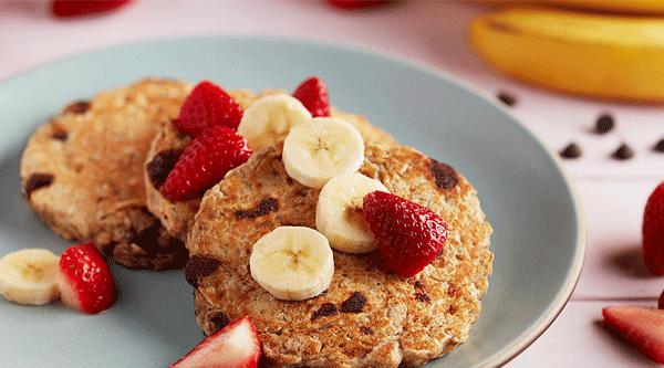 Banana-Oat Chocolate Chip Pancakes